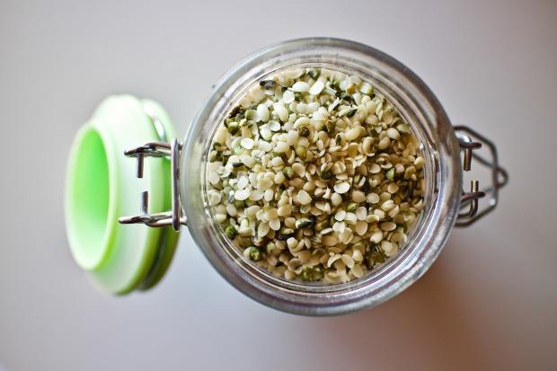 hemp-seeds-3239824_1280
